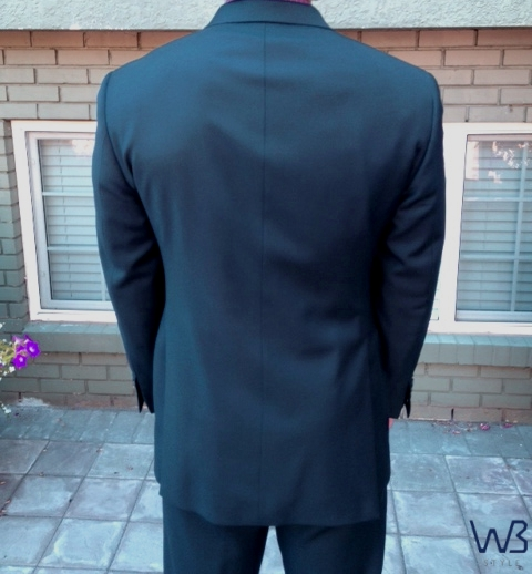How the back of your suit should look.