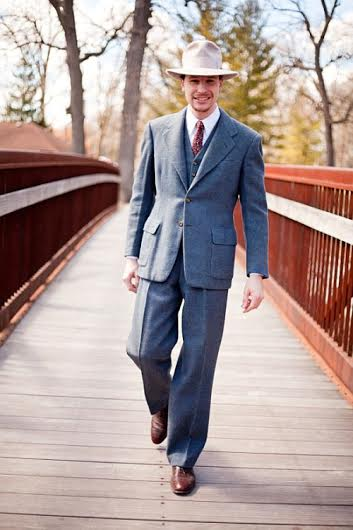 Will displaying the elegance of a suit with classic proportions.